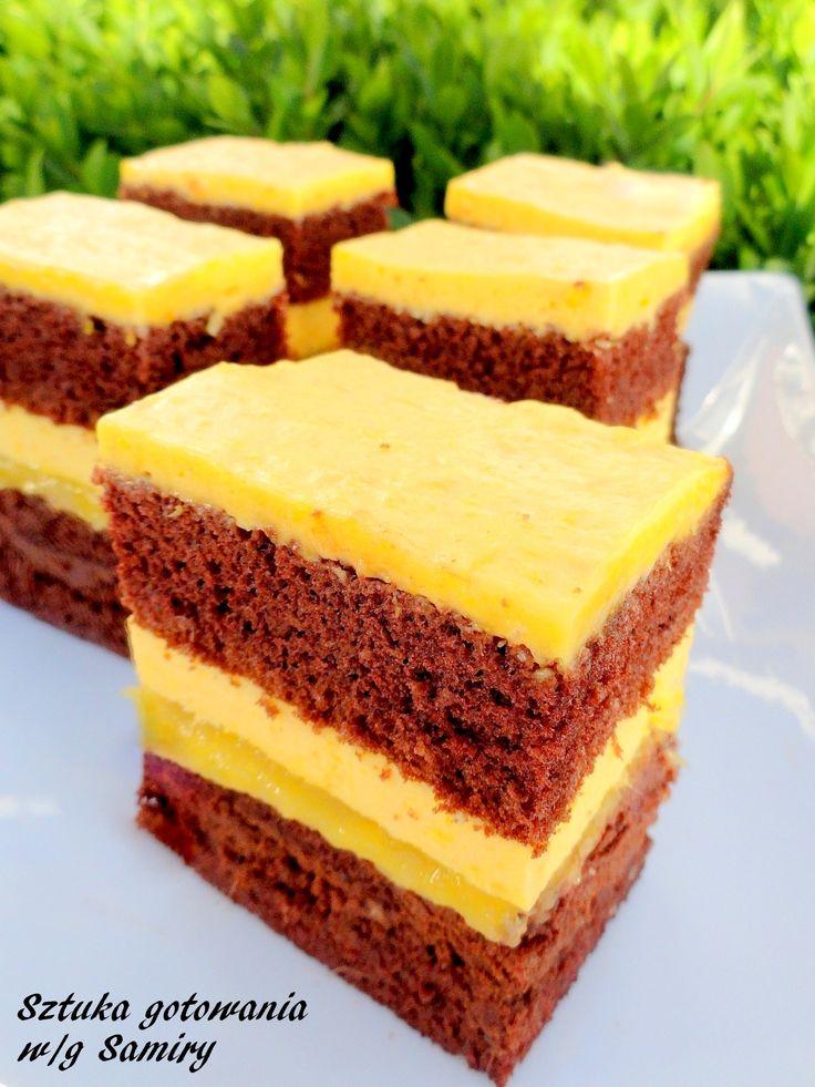 Czekoladowe ciasto z imbirem i mango