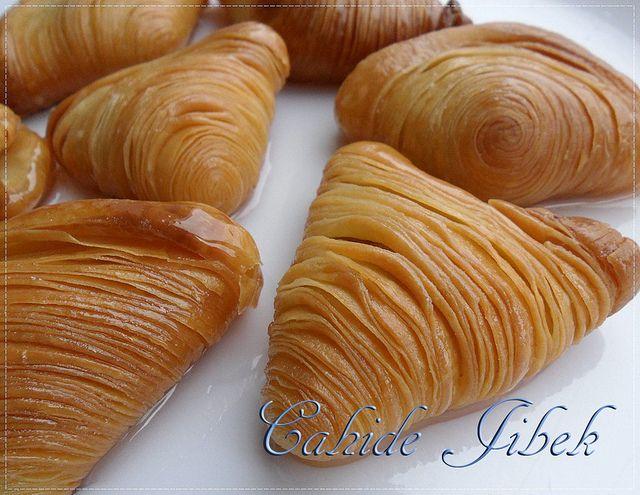 midye tatlısı tarifi by Cahide sultan, via Flickr