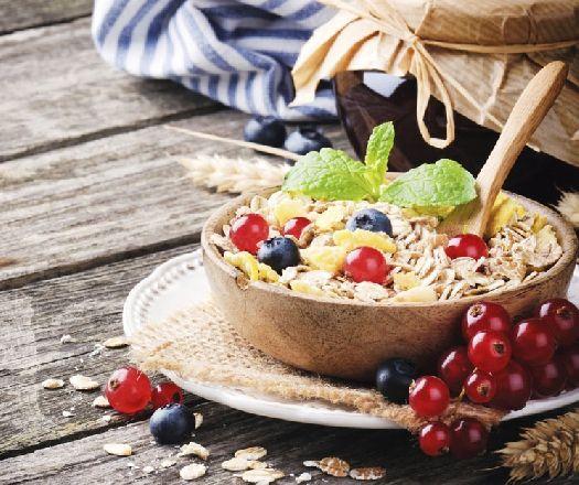Victoria Beckham lúgosító diétája! | Mindmegette.hu  LÚGOSÍTÓ ÉTELEK Mandula, zab, zabpehely, fokhagyma, olívaolaj, citrusfélék, zöldségek – közülük a rebarbara, spárga, valamint a húsok közül a csirke.