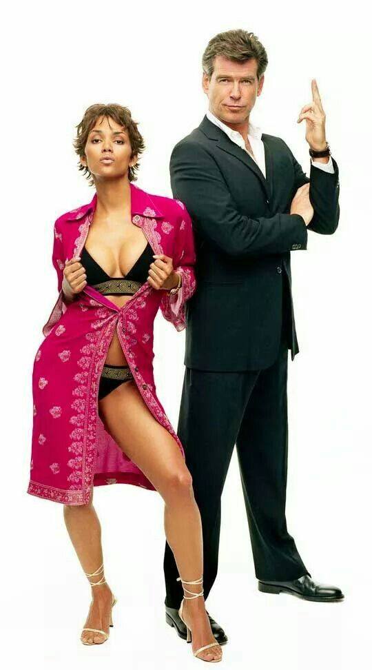 """Halle Berry and Pierce Brosnan in 007 """" DIE ANOTHER DAY """""""