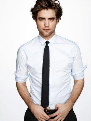 Robert PattinsonRobertpattinson, Ll Beans, Robert Pattinson, Skinny Ties, Rob Pattinson, Edward Cullen, Men Fashion, Black Suits, Robert Pattison