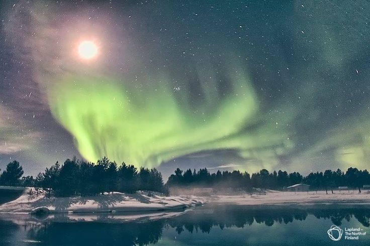 A full moon-aurora-show: as close to science fiction as it gets.