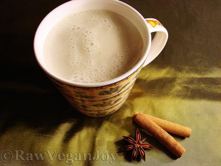Raw Vegan Joy – Lapte de migdale/nuci