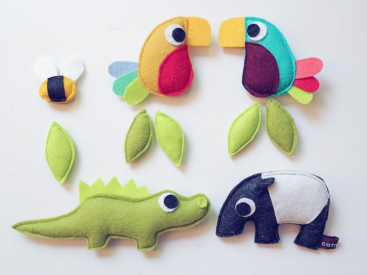 these could be super easy with the younger kids if we cut out all the pieces ahead of time and just helped them sew...