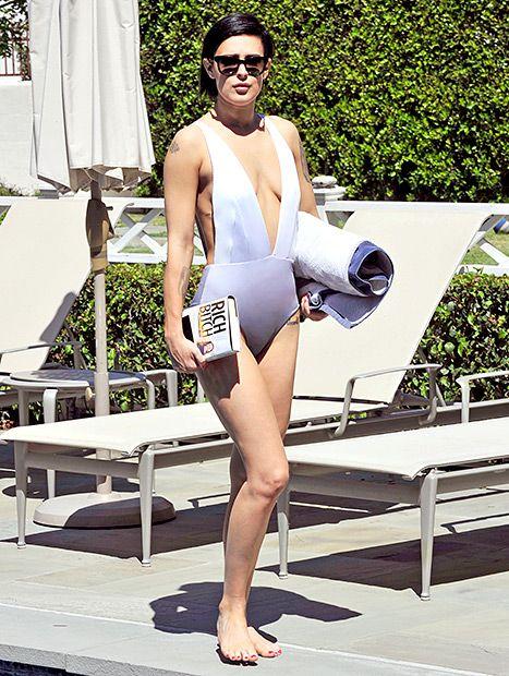 15 Shockingly Nasty Celebrity Bikini Bodies | TheRichest