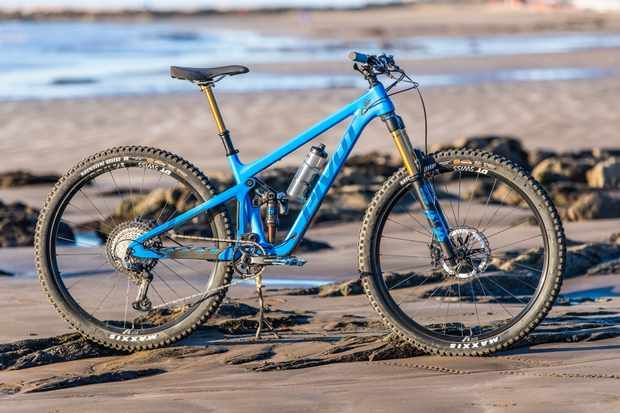 2020 Pivot Switchblade Hopes To Blur The Lines Between Trail And