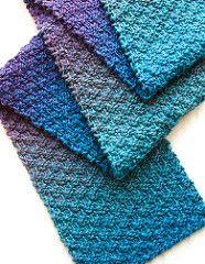 Este é um cachecol de malha rápida. É fácil o suficiente para um knitter início, mas po ...