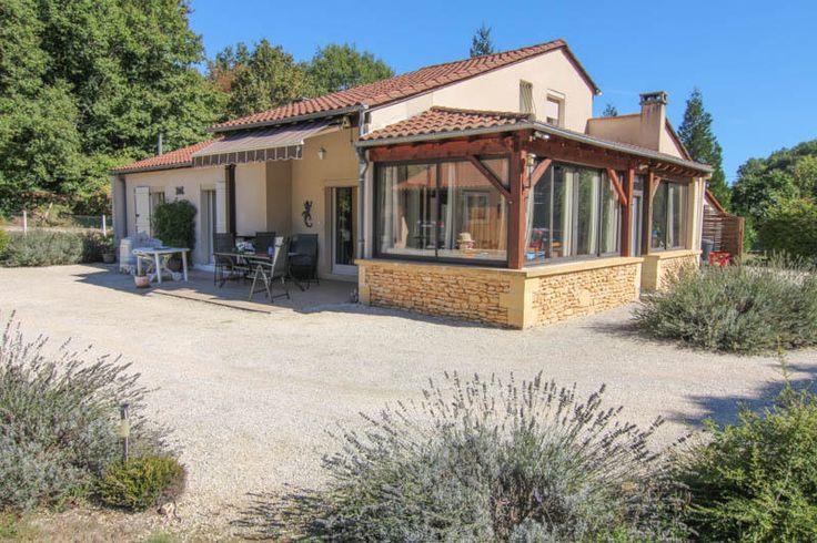 Secteur Salignac : Maison contemporaine avec espace détente ! 263.000 €  Réf.:LVT678  http://www.pleinsudimmo.fr/fr/annonces-immobilieres/offre/salignac-eyvigues/bien/1523568/secteur-salignac-maison-contemporaine-avec-espace-.html