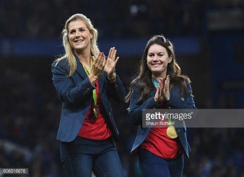 LONDON, ENGLAND - SEPTEMBER 16: Team GB Olympic hockey gold... #horndeangb: LONDON, ENGLAND - SEPTEMBER 16: Team GB Olympic… #horndeangb