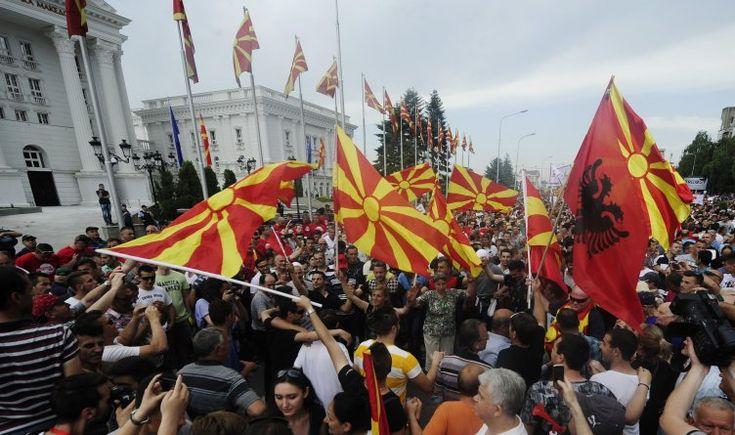 200.000 Έλληνες στα Σκόπια περιμένουν την απελευθέρωση τους; Μέχρι πότε θα σιγούμε μπροστά σε αυτή την εθνοκτονία;[vid]
