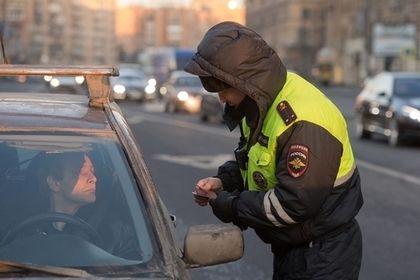 В России выявили 33 тысячи автомобилистов с противопоказаниями к вождению       Сотрудники Генпрокуратуры в минувшем году направили в суд свыше 33 тысяч заявлений о принятии мер в отношении автомобилистов, имеющих различные противопоказания к вождению. Об этом сообщил официальный представитель ведомства Александр Куренной. По его словам, 30 тысяч заявлений уже рассмотрены и удовлетворены.