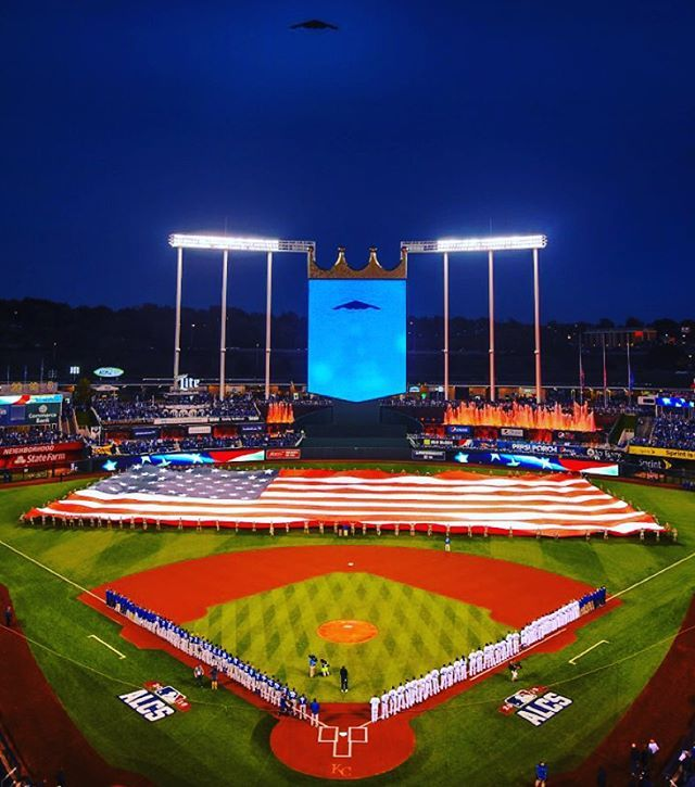 What a beautiful night of baseball. #TakeTheCrown