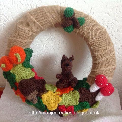Marijecreaties: : Creatief, Decoratie, Eekhoorn, Egel, Eikel, Haken, Herfst, Herfstbladeren, Krans, Paddenstoel, Pompoen