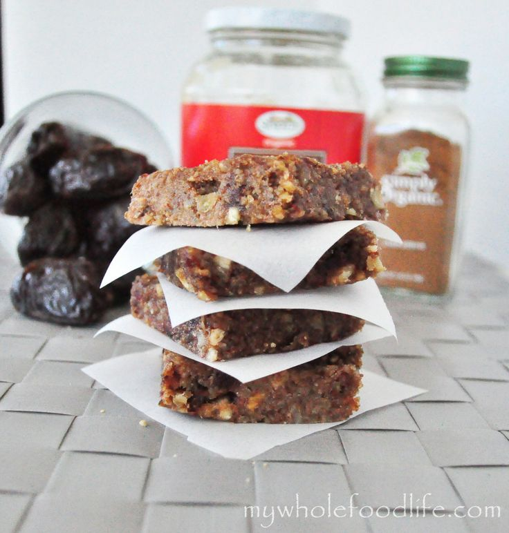 These Apple Pie Larabars taste just like the real thing and are easy to make! Vegan, gluten free and paleo.