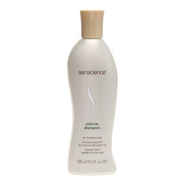 Senscience Volume Shampoo limpa com suavidade e aumenta o volume de cabelos finos e frágeis. Fortalece o cabelo enquanto mantém o equilíbrio natural de hidratação. Deixa os fios saudáveis e hidratados para proporcionar volume máximo.