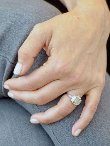 Kristen Bell's engagement ring