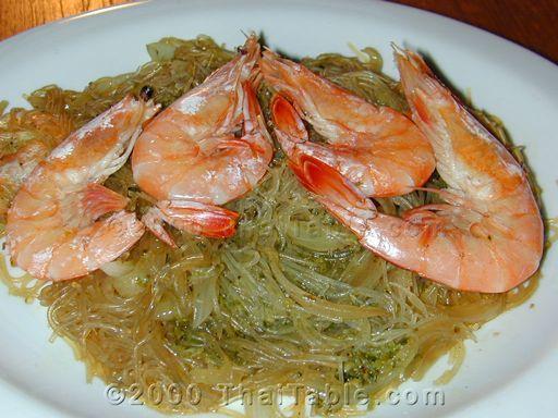 Baked shrimp with fresh garlic, black pepper, and glass noodles.: Noodles Recipes, Glasses Noodles, Baked Shrimp, Burmese Recipes, Shrimp Baking, Baking Shrimp, Thai Recipes, Clear Noodles, Burm Recipes