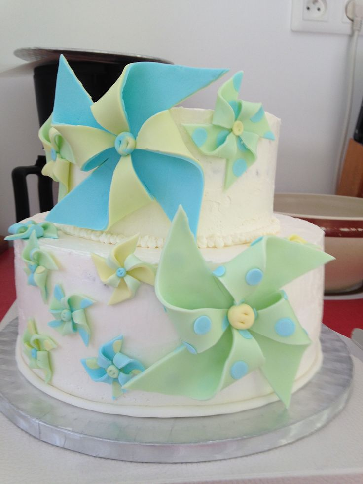 piece montée theme moulin a vent jaune/vert pastel et bleu glacial (cake design pinwheel pastel green/yellow and blue)