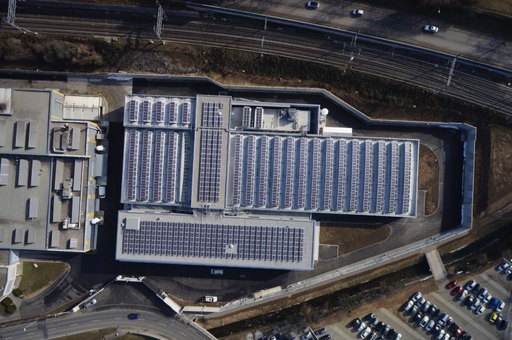 Visione aerea dello stabilimento di Mendrisio (Canton Ticino). Superficie captante 1.800 mq (pari a 7 campi da tennis).