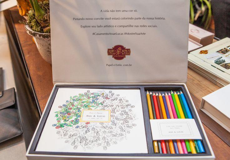 """Casar 2015 - tendências: Na onda dos livros de colorir para adultos, a empresa Papel & Estilo lançou o """"convite de colorir""""."""