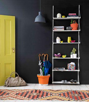 20120711_arq10335_hall de entrada via: homes.ninemsn.com.au/realliving/wereloving/227407/how-to-decorate-your-hallway-tricks-youve-got-to-steal.slideshow#