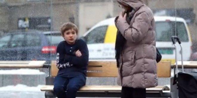 Abram o link que vale a pena. Lindo! Como as pessoas reagem ao ver uma criança com frio (Há sim esperança na humanidade)