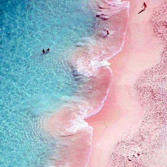 Pink Sands Beach, Harbour Island Bahamas.