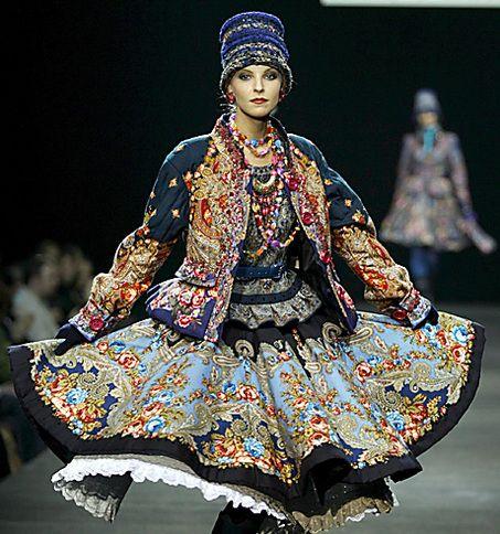 http://blog.nj.com/fashiontoday/2008/03/fashion_week_moscow.html