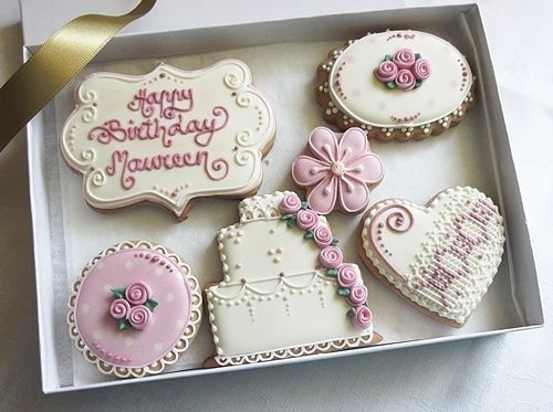 Personalised Happy Birthday Biscuits Gift Box in Vintage Rose