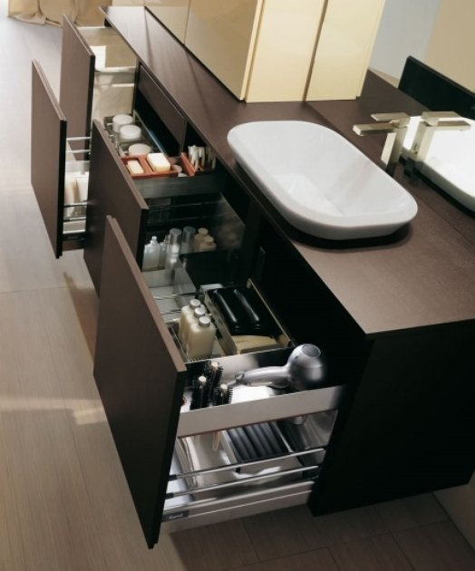 I believe everything can get an upgrade, including bathroom organisation... Love the bathrooms from Karol, oh those Italians, take it to the next aesthetic level again...