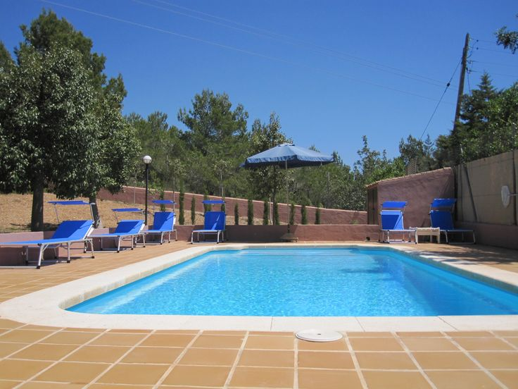 Villa for 6 very close to Ibiza town, Playa den Bossa and San Jose! Private, aircon, internet, lots of land, BBQ, on local bus route to town and nightspots. Visit Villa MELOCOTON at www.ibizavillas4u.com