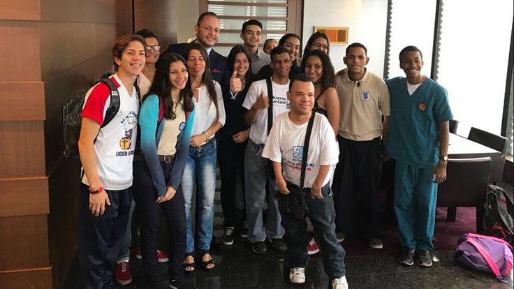 """#Seguros La Vitalicia afianza """"Una Carrera por el Futuro"""" en los jóvenes venezolanos - globovision.com: globovision.com Seguros La…"""
