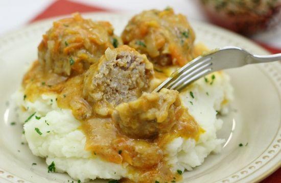 """Porcupine Meatballs With a Cream Sauce – Тефтели """"Ёжики"""""""