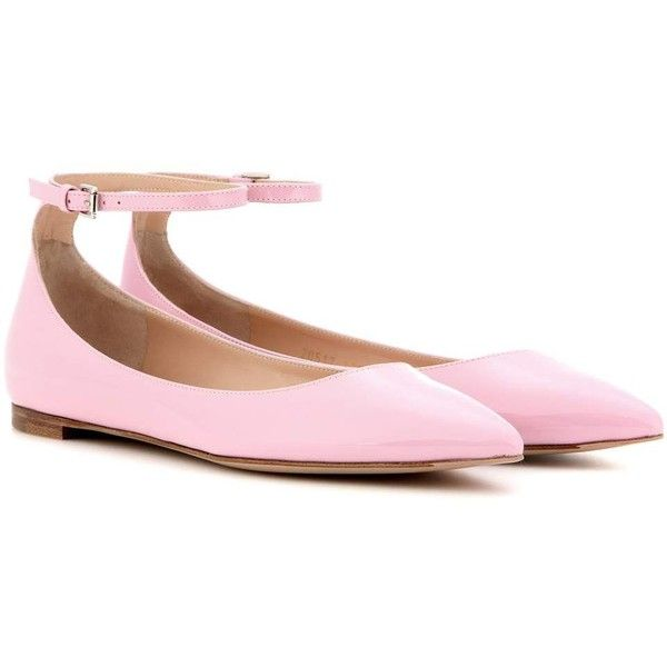 Gianvito Rossi Gia Patent Leather Ballerinas (£435) ❤ liked on Polyvore featuring shoes, flats, pink, ballet flats, pink ballet shoes, ballerina flats, pink patent leather shoes and pink flats
