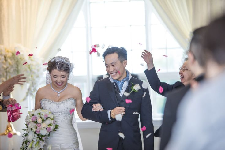 When I met Ziyan and Lu at a local coffee shop, I could tell right away how much their wedding meant to them. They spoke to me about their family coming to