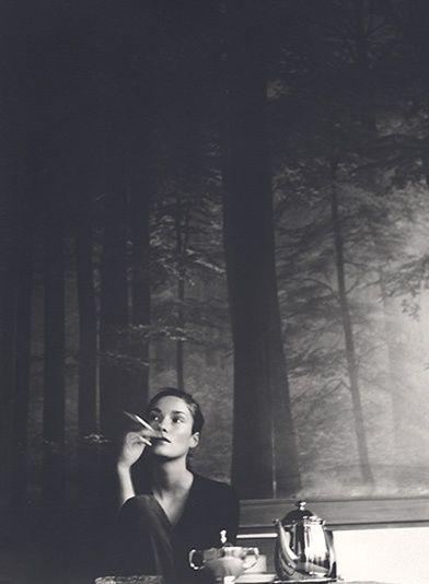 Quelle come me guardano avanti, anche se il cuore rimane sempre qualche passo indietro. - Alda Merini