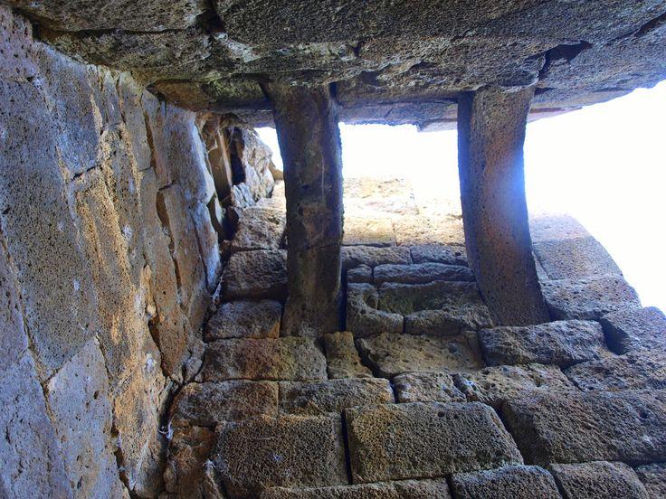 vien da pensare che se questi stessi antichi hanno trasportato pietre dal fondo della vallata sino a lassù un motivo ci sarà stato.