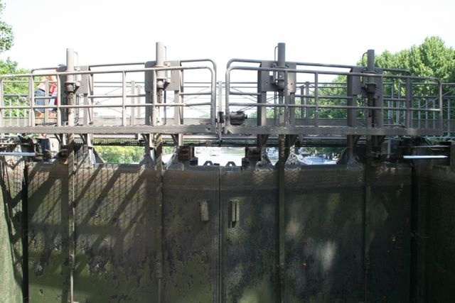 La puerta de la esclusa