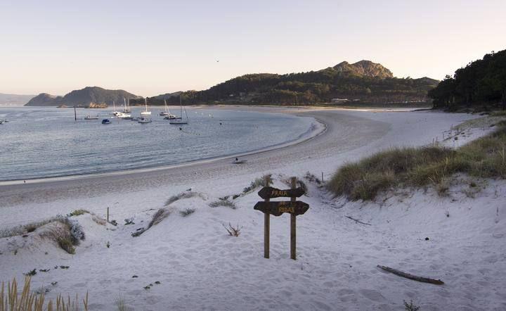 Cíes, patrimonio de Vigo en Faro de Vigo. Foto 0 de 30