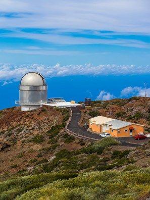 Nordic Optical Telescope, observatory on Roque de los Muchachos above the clouds, Parque Nacional de la Caldera de Taburiente, Caldera, La Palma, Canary Islands, Spain
