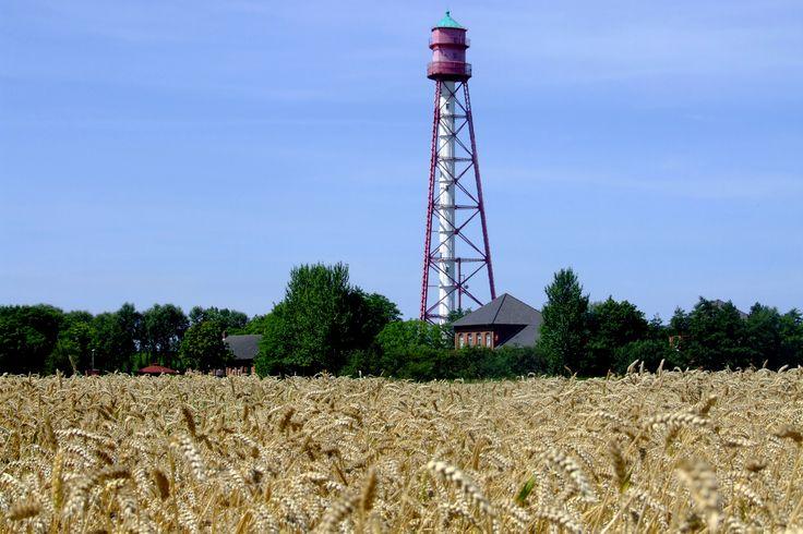 Mit 63,30 m Höhe ist der Campener Leuchtturm der höchste Leuchtturm Deutschlands. Man kann ihn besichtigen und hat von oben eine tolle Aussicht auf das Watt und die ostfriesische Landschaft.