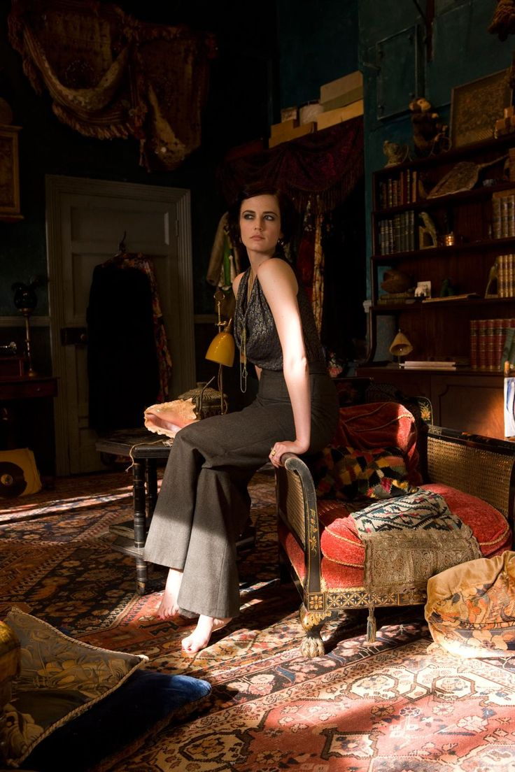 Her new movie Cracks sees Eva Green try her hand at period drama. Costume designer Alison Byrne and director Jordan Scott talk us through how they dressed Eva and achieved the movie's historical feel