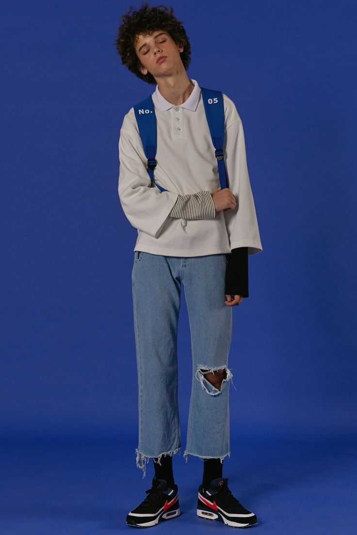 ADER styling Basic pk shirts white Belted backpack blue Cutting denim pants #ader #adererror #styling #wit #mixmatch #layered #number #blue