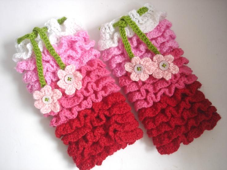 Crochet leg warmer pattern Ruffles all over leg by Thehobbyhopper