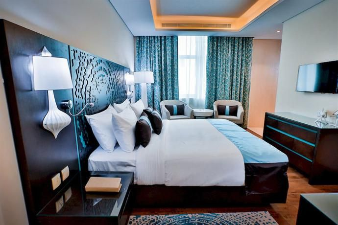 Signature Hotel Dubai - Signature Hotel Dubai provides modern 4-star accommodation in Dubai. It also offers an outdoor pool, a coffee bar and 24-hour room service.  There are a variety of amenities on offer to those staying at the hotel, including a 24-hour reception, a hair salon and meeting facilities. Airport transfers, a laundry service and a dry cleaning service are available upon enquiry.  Signature Hotel Dubai has 90 stylish rooms that are fitted with all the essentials to ensure a…