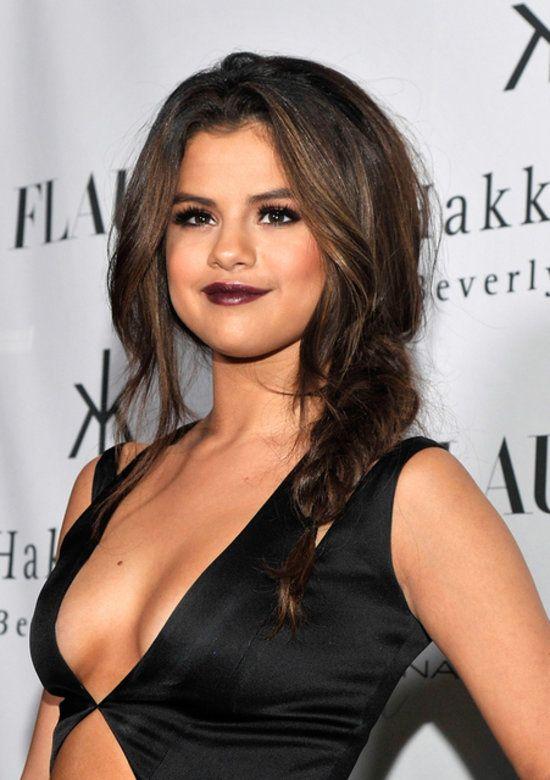 Selena Gomez Flaunts Her Sexy Side | Sexy, Selena gomez photos and ...