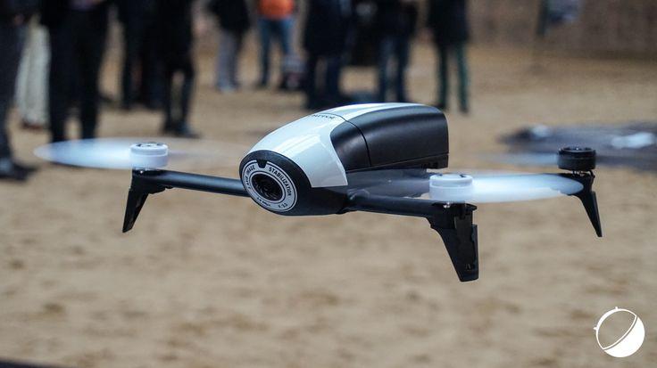 Prise en main du drone Parrot Bebop 2, avec un semblant de follow me - http://www.frandroid.com/test/prises-en-main/324440_prise-main-drone-parrot-bebop-2-semblant-de-follow-me  #Drones, #Prisesenmain
