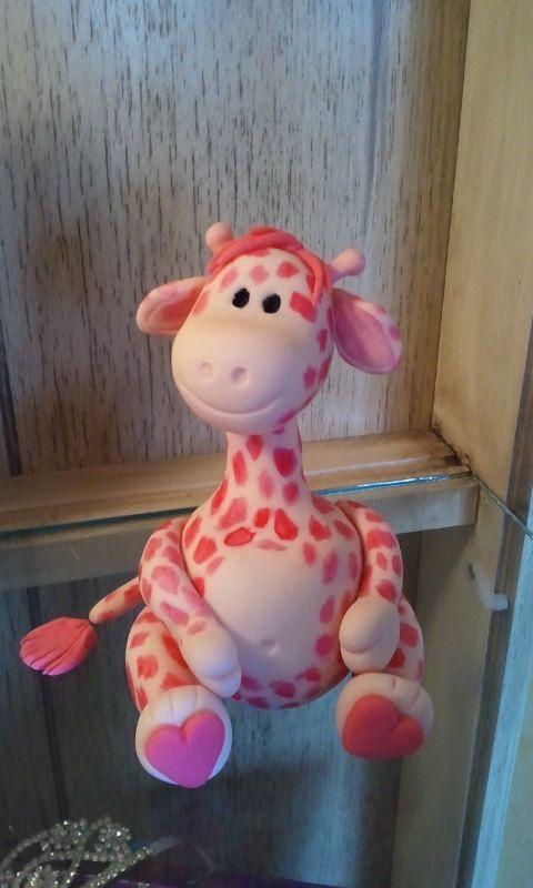fondant giraffes | Fondant Giraffe Cake Topper by KonopaseksKrazyCakes on Etsy
