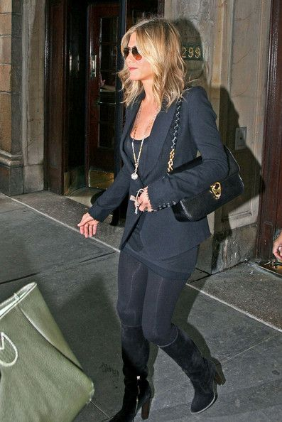 Jennifer Aniston's Classic Style I love.. here her night out black with Tom Ford's handbag.