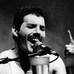 Las múltiples facetas y estilos de Freddie Mercury ayudaron a formar su indiscutible imagen de ícono y mito en la historia de la música